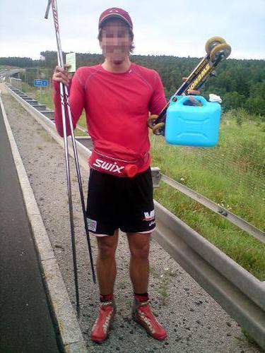 Polizei stoppt Rollski-Fahrer auf der Autobahn