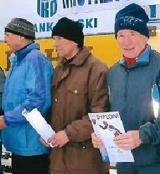 Roman Szczotka (pierwszy z prawej)